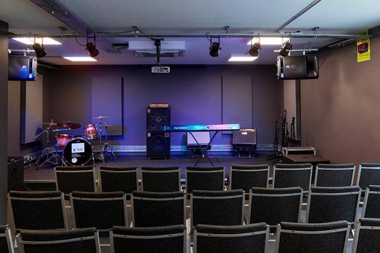 live-music-perofrmance-classroom