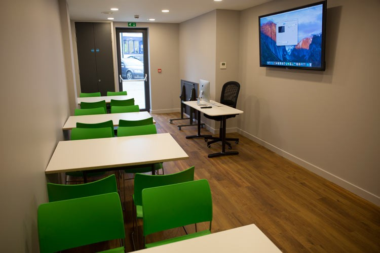 tile-yard-lecture-room-london