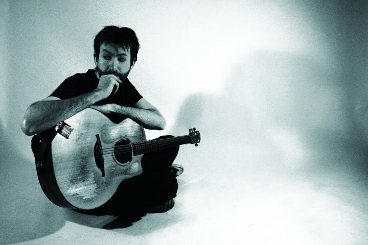 Jon Gomm with Guitar