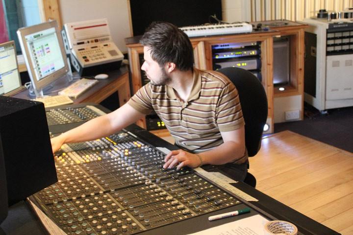 Thomas Ntinas | Music Production Tutor