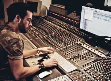 Charlie Thomas | Music Production Tutor | ICMP London