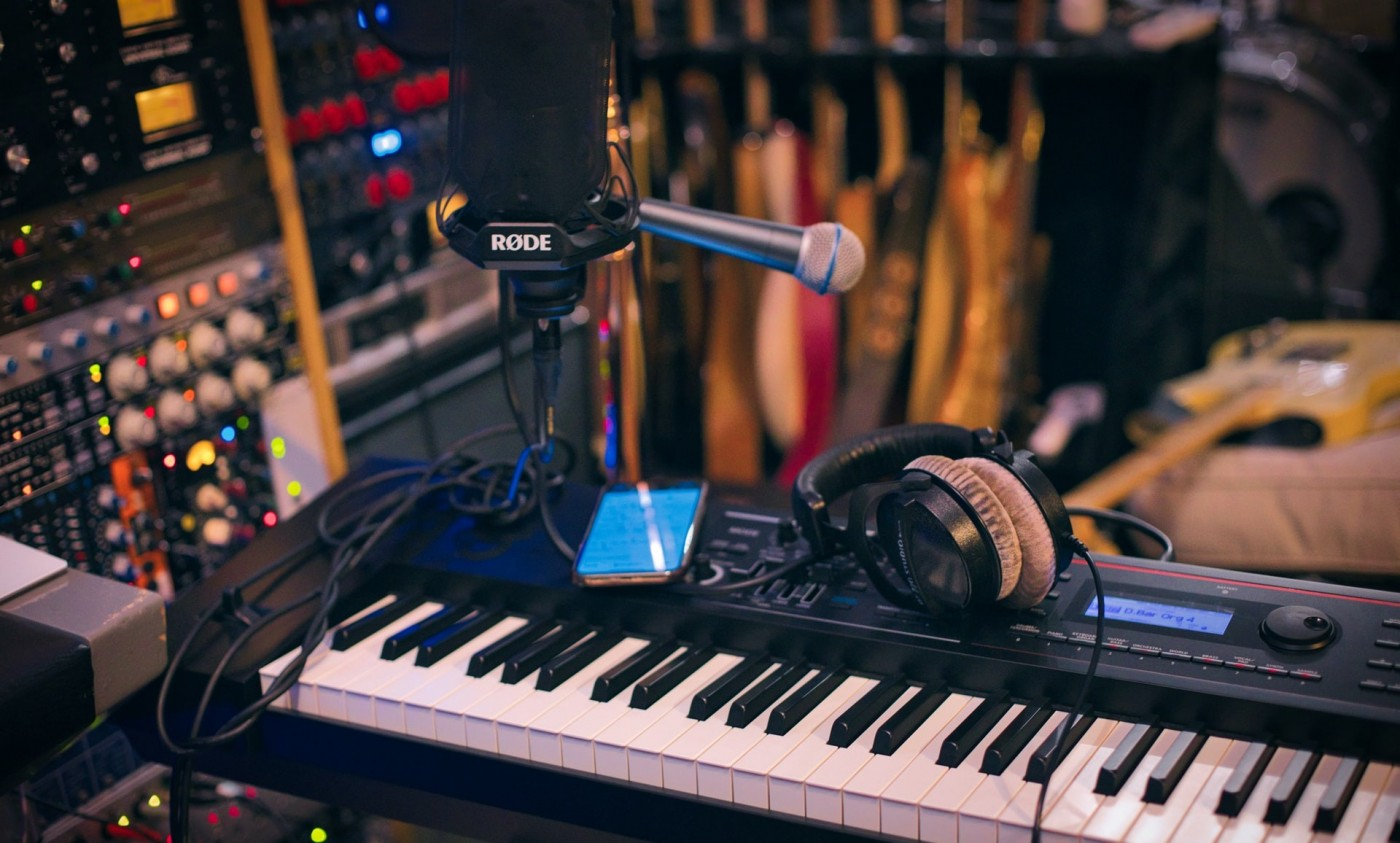 10_things_you_need_to_know_about_working_as_an_audio_engineer_blog