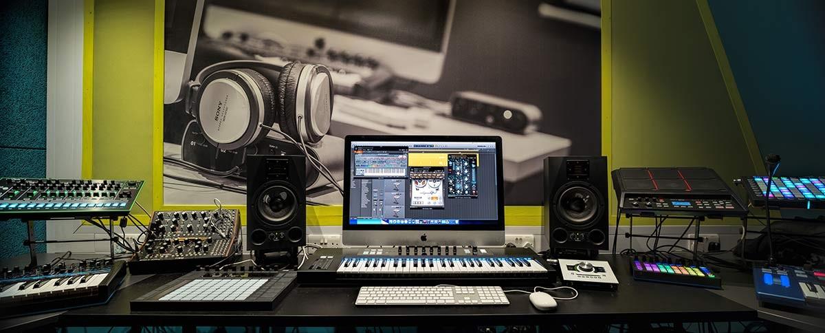 london-music-school-tech-room